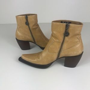 Vintage lei Western Ankle Boots Size: 6
